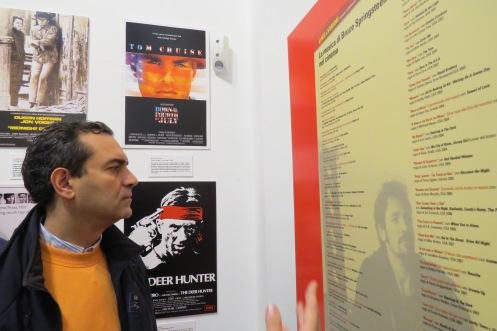 """Il Sindaco nella sala di PinkCadillacMusic per la mostra """"Like A Vision"""""""
