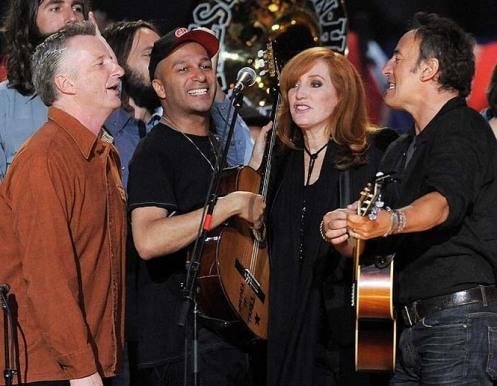 Billy Bragg, Tom Morello, Patti Scialfa, Bruce Springsteen