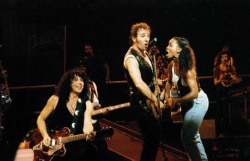 Shane Fontayne con Bruce Springsteen e Crystal Taliefero