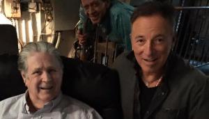 Backstage: Brian Wilson con Bruce
