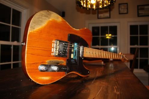 Descritto dai suoi cari come un artigiano vecchio stile che potrebbe richiedere fino a un anno per costruire una chitarra, Petillo era più conosciuto per la vendita di Bruce Springsteen il suo celebre Fender Esquire nel 1969 ad un costo di $ 150. Oggi, lo strumento è un valore verso l'alto di $ 5 milioni, ha detto in un'intervista l'anno scorso.